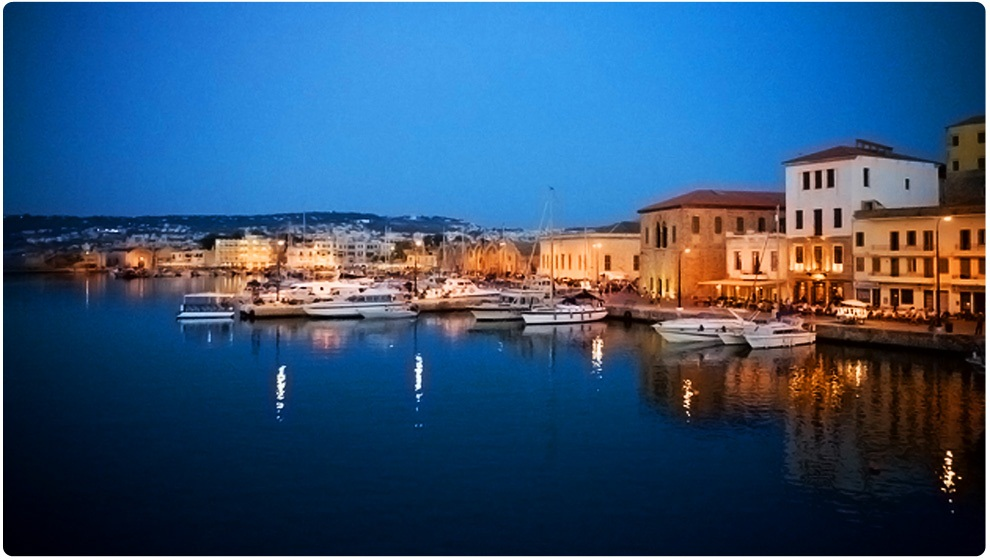 Chania informations, photos, hotels, destinations, beaches, city, town, monuments, hania,