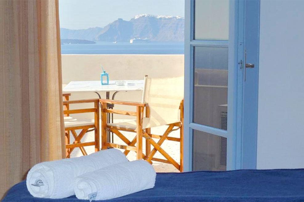 Hotel in Santorini - Santorini Travel guide